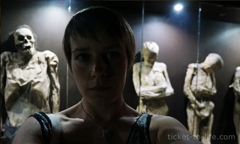 Музей мумий в Гуанохуато. Мумии в Мексике. Естественное мумифицирование. Вокруг света. Кругосветка. Музеи мира. Необычные музеи мира. Стоит посетить в Мексике. Вокруг света без обратного билета